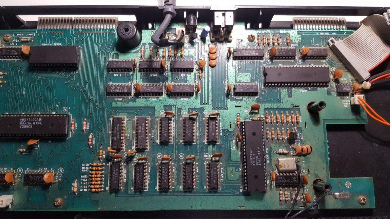 Reparación AMSTRAD CPC 664 [ No enciende ] 3