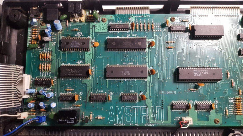 Reparación AMSTRAD CPC 664 [ No enciende ] 4