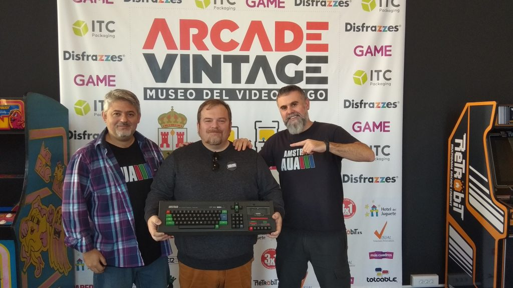 AUA-Arcade-vintage