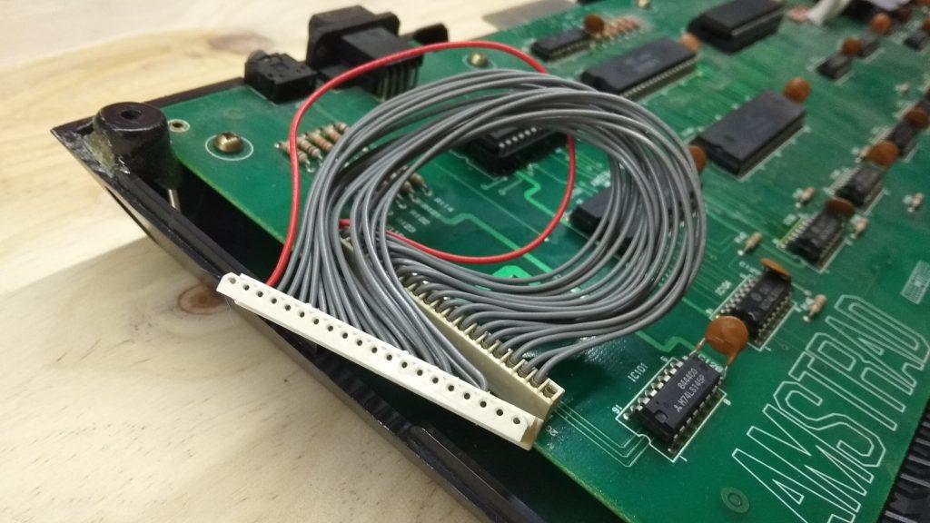 ¿Cómo es el Amstrad CPC 464 Teclas Altas? 10