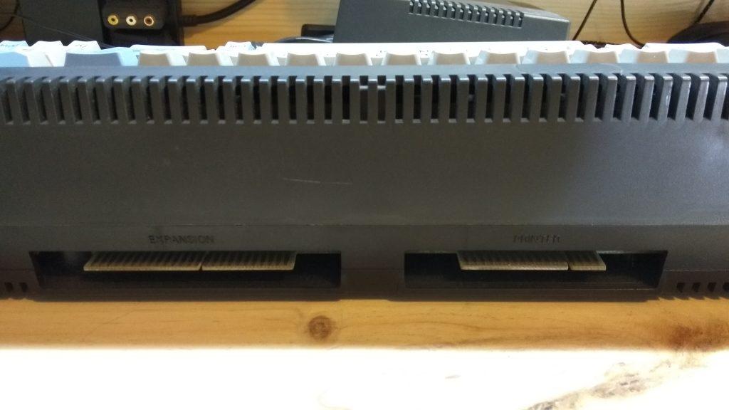 Amstrad CPC 664: tras el Santo Grial 10