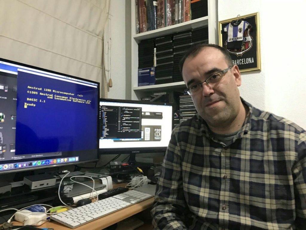 J.C.García Amestoy, programando Retro Virtual Machine