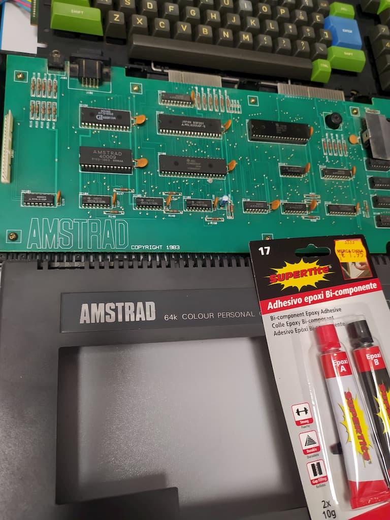 Amstrad CPC desmontado